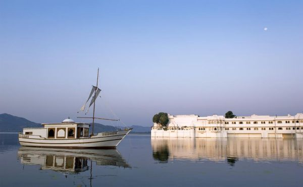 Lake Palace Top Udaipur Attractions and Places to Visit