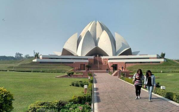Lotus Temple Top Delhi Attractions and Places to Visit