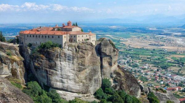 Meteora Top Greece Attractions and Places to Visit