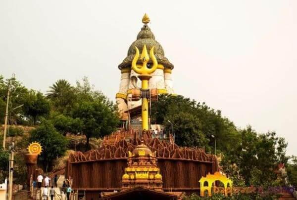 Shrungagiri Shanmukha Temple Most Famous Temples in Around Bangalore