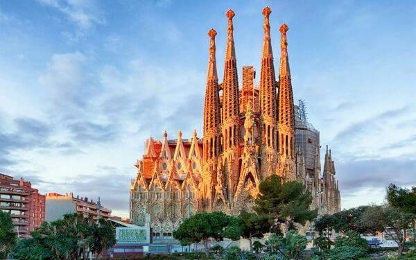 Barcelona Top Spain Attractions and Places to Visit