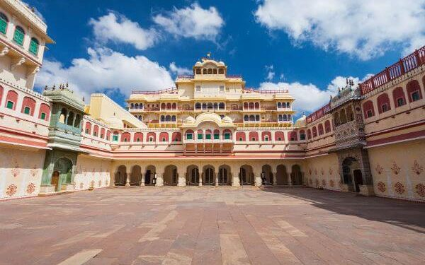 City Palace Top Udaipur Attractions and Places to Visit
